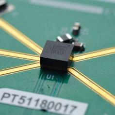 Switch RF SP4T haute puissance 12GHz : MM5120